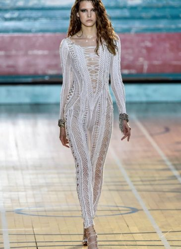 julien-macdonald-rtw17-lfw16-basic-magazine-9