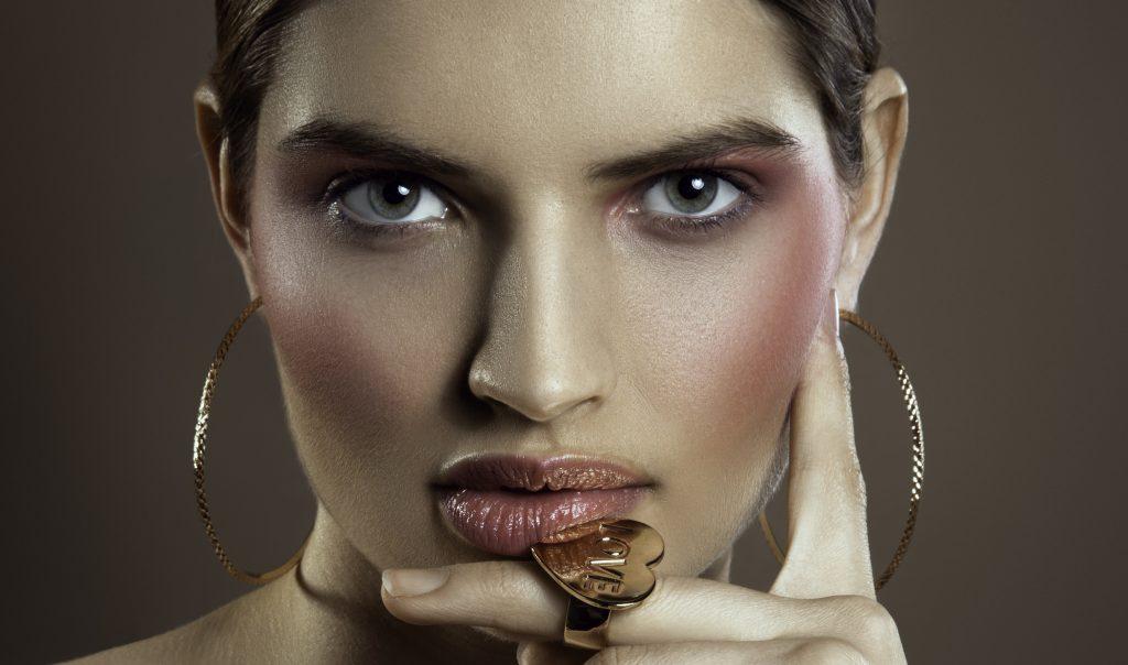 Ivona by Alkan Emin